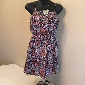 Forever 21 FLORAL STRAPPY DRESS XS - S EUC!